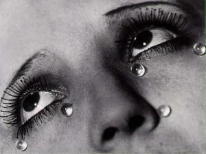 Les Larmes, de Man Ray